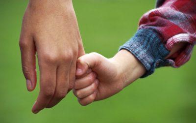 Actitudes que fomentan un vínculo familiar fuerte